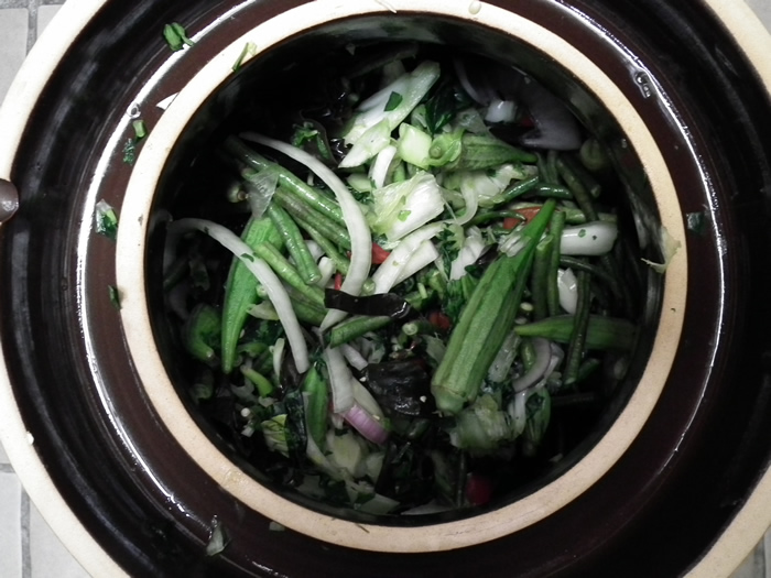 Fill the pickling crock